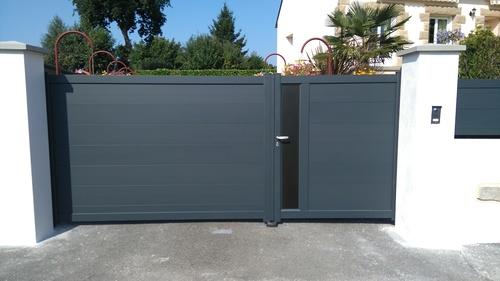 Portail et porte d''entrée alu et volet , fenêtres PVC - Ploumagoar