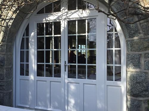 Portes d''entrée : esthétique, style, haute technicité et sécurité