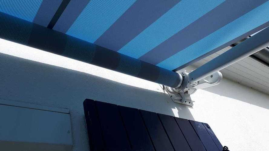 Store terrasse Markilux avec motorisation Somfy. 2623