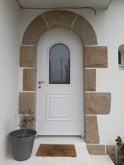 Porte d''entrée PVC contre dormant cintré - Rénovation - Plérin (22) porteaf2