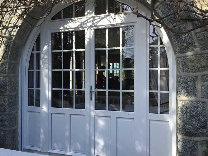 Portes d''entrée : esthétique, style, haute technicité et sécurité 0
